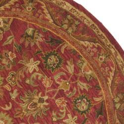 Safavieh Handmade Heirloom Red Wool Rug (8' Round) - Thumbnail 1