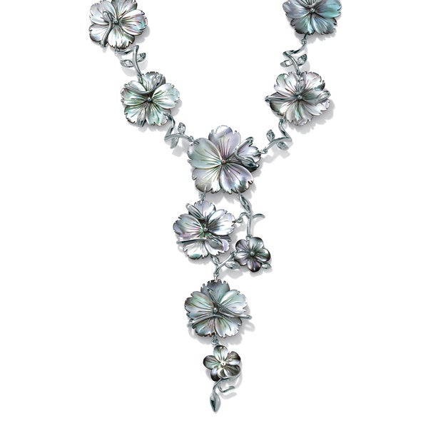 """Flower-Shaped Black Freshwater Mother-Of-Pearl Silvertone """"Y"""" Necklace 18"""" Bold Fashion"""