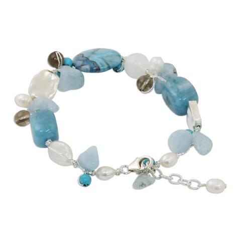 Handmade Blue Islands Pearl and Aquamarine Beaded Bracelet (Thailand)