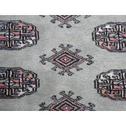 Herat Oriental Pakistan Hand-knotted Bokhara Lt. Green/ Ivory Wool Rug (4' x 6')') - Thumbnail 1