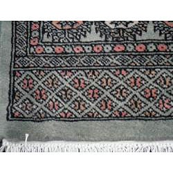 Herat Oriental Pakistan Hand-knotted Bokhara Lt. Green/ Ivory Wool Rug (4' x 6')') - Thumbnail 2