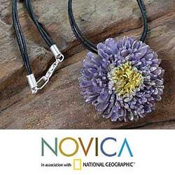 Handmade Chrysanthemum 'Twilight Sun' Natural Flower Necklace (Thailand)