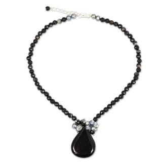 In Dreams Crowned with Freshwater Pearls and Crystal Beads a Black Onyx Teardrop Falls Womens Beaded Pendant Necklace (Thailand)