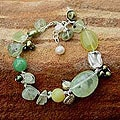 Handmade Pearl and Serpentine 'Green Apples' Beaded Bracelet (4-8 mm) (Thailand))