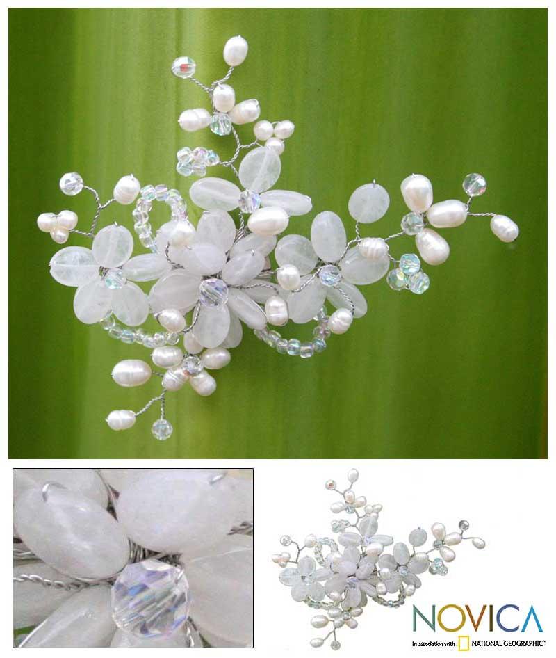 Handmade Pearl and Quartz 'Iridescent' Brooch (5-6 mm) (Thailand)