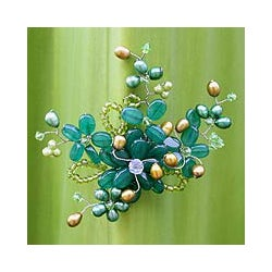 Pearl and Green Quartz 'Floral Mint' Pearl Brooch (5-6 mm) (Thailand)
