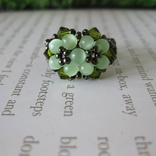 Handmade Crystal and Cat's Eye Beautiful Green Beaded Flower Ring (USA) - Thumbnail 0