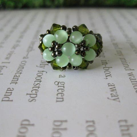 Handmade Crystal and Cat's Eye Beautiful Green Beaded Flower Ring (USA)