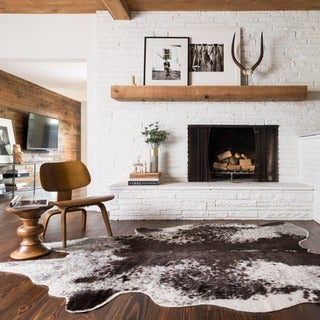 Faux Rawhide Ivory and Charcoal Brown Rug (6'2 x 8')