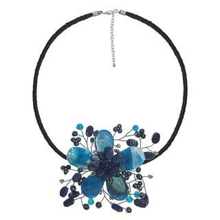 Handmade Blue Agate and Pearl Star Flower Necklace (3-5 mm) (Thailand)