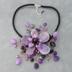 Handmade Amethyst and Coin Pearl Star Flower Necklace (3-5 mm) (Thailand)