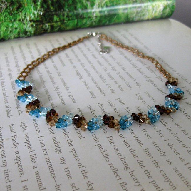 Handmade Stainless Steel Elegant Blue Crystal Necklace (USA)