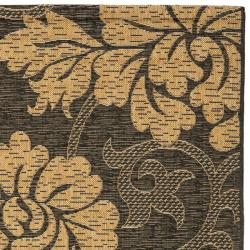 "Safavieh Black/Natural Indoor/Outdoor Floral-Patterned Rug (2'7"" x 5') - Thumbnail 1"