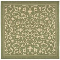Safavieh Resorts Scrollwork Olive Green/ Natural Indoor/ Outdoor Rug (6' 7 Square) - 6' 7 Square