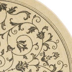 Safavieh Resorts Scrollwork Natural/ Brown Indoor/ Outdoor Rug (6'7 Round) - Thumbnail 1
