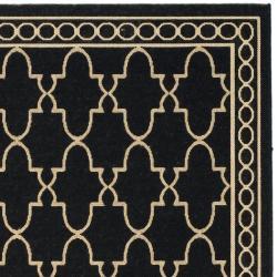 """Safavieh Courtyard Trellis All-Weather Black/ Beige Indoor/ Outdoor Rug (4' x 5'7"""")"""
