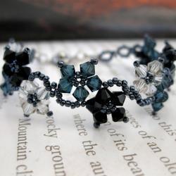 Handmade Stainless Steel Delicate Flower Crystal Bracelet (United States)