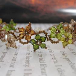Handmade Stainless Steel Delicate Autumn Color Crystal Flower Bracelet (United States)