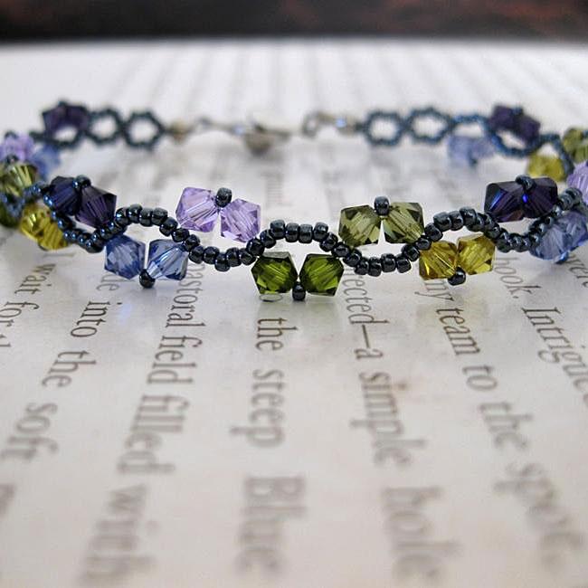 Handmade Stainless Steel ZigZac Purple and Green Mix Crystal Bracelet (USA)