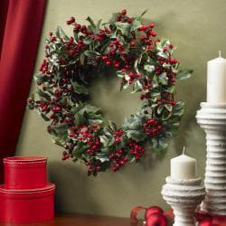 Holly Berry 24-inch Wreath - Thumbnail 2