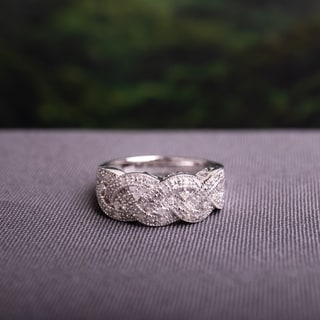 Miadora Sterling Silver 1/8ct TDW Diamond Braided Ring (H-I, I2-I3)