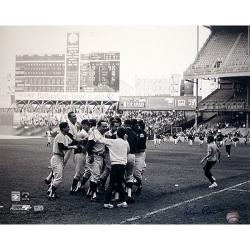 Steiner Sports Ken Regan Signed Yogi Berra Celebration with Team 16x20 Photograph