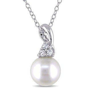 Miadora Silver White Freshwater Pearl and Diamond Necklace (H-I, I2-I3)