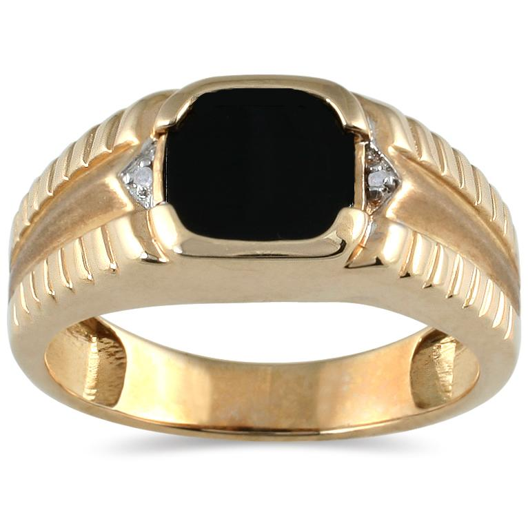 Marquee Jewels Men's 10k Yellow Gold Onyx and Diamond Accent Ring