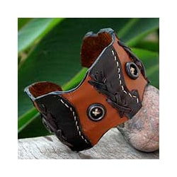 Handmade Leather 'Chestnut Buttons' Cuff Bracelet (Thailand)