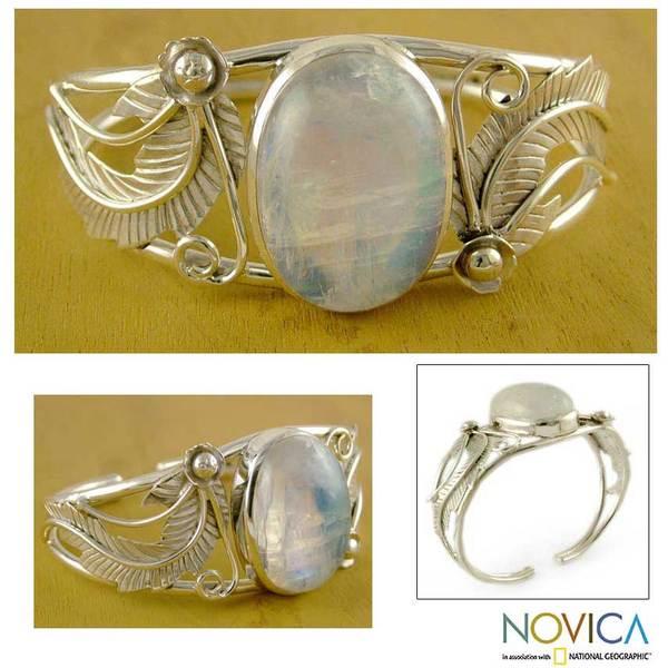 Sterling Silver 'Eternal Glow' Moonstone Cuff Bracelet (India)