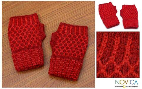 Handmade Alpaca Wool 'Holly Berry' Fingerless Gloves (Peru)