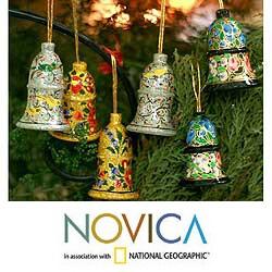 Handmade Set of 4 Wooden 'Holiday Medley' Ornaments (India)