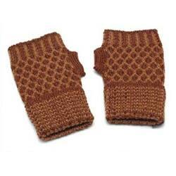 Alpaca Wool 'Cinnamon Honeycomb' Fingerless Gloves (Peru)|https://ak1.ostkcdn.com/images/products/5478419/Alpaca-Wool-Cinnamon-Honeycomb-Fingerless-Gloves-Peru-P13265915a.jpg?impolicy=medium