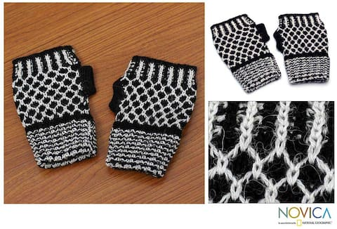 Handmade Alpaca Wool 'Tuxedo Honeycomb' Fingerless Gloves (Peru)