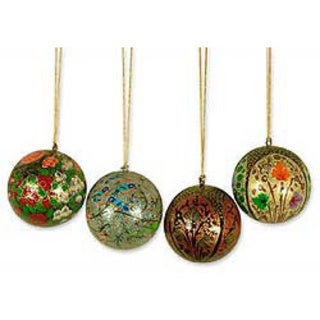 Handmade Set of 4 'Joyful Melody' Holiday Ornaments (India)