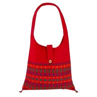 Handmade Cotton 'Crimson Tease' Shoulder Bag (India)