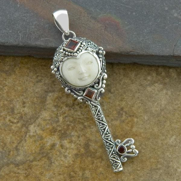 Handmade Sterling Silver Garnet 'Moon Princess' Cow Bone Key Pendant (Indonesia)