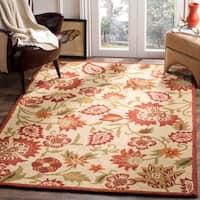 Safavieh Handmade Blossom Paisley Beige Wool Rug - 5' x 8'