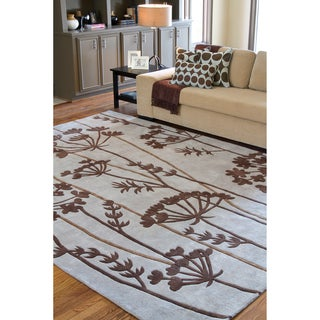Hand-tufted Grey Floral Rug (5' x 8')