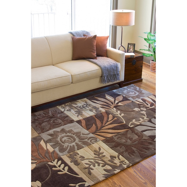 Hand-tufted Brown Floral Rug (5' x 8')