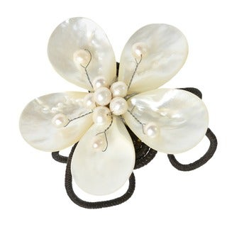Handmade Cotton Mother of Pearl/ Pearl Flower Cuff Bracelet (3-6 mm) (Thailand)