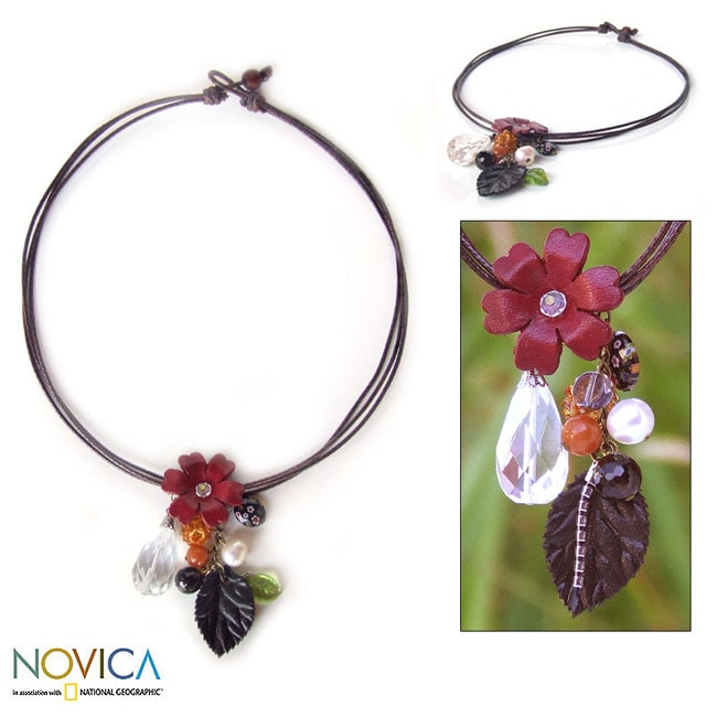 Leather 'Garden Gift' Freshwater Pearl Carnelian Necklace (8 mm) (Thailand)