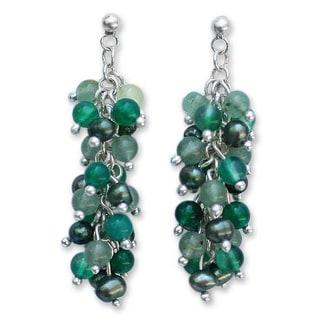 Handmade Silver 'Peppermint Dazzle' Freshwater Pearl Earrings (4 mm) (Thailand)