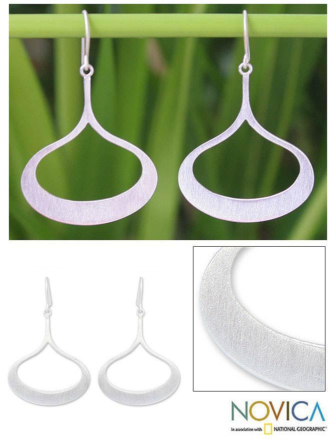 Handmade Sterling Silver 'Fascination' Dangle Earrings (Thailand)