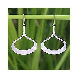 Sterling Silver 'Fascination' Dangle Earrings (Thailand)