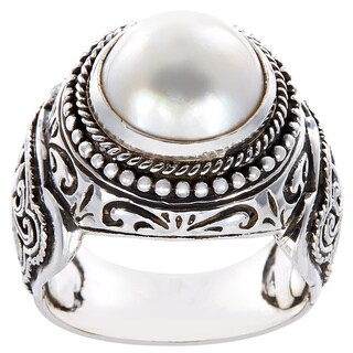 Handmade Sterling Silver Filigree Round Mabe Pearl Dome Ring (14 mm) (Indonesia) - White