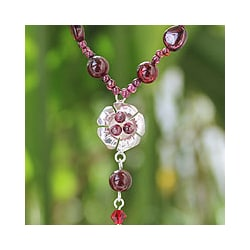 Sterling Silver 'Flower Fantasy' Garnet Necklace (Thailand)