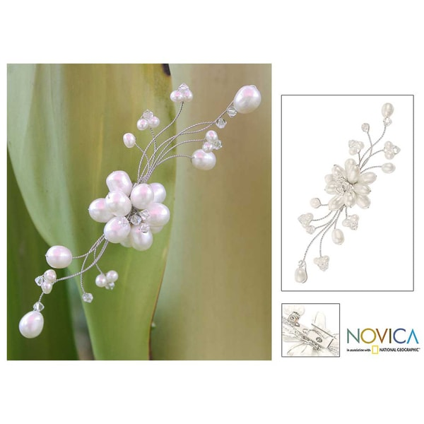 Stainless Steel 'Bouquet' Freshwater Pearl Brooch (8 mm) (Thailand)
