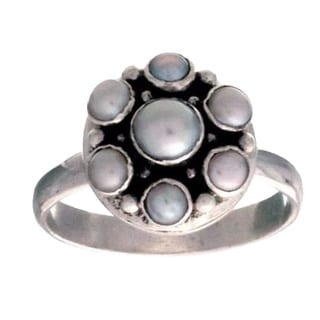 Handmade Sterling Silver 'Rose' White Freshwater Pearl Ring (2.5-5 mm) (Bali)