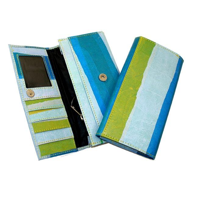 Recycled Plastic Swiss Alps Wallet (India)